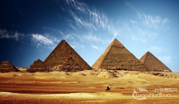 建筑:金字塔是古王国法老的陵墓.