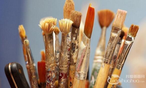 初学者应该如何挑选油画画板和画笔?