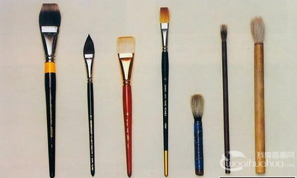 水彩画笔的种类和使用方法