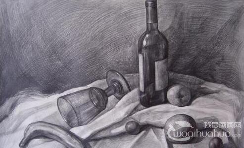 单个水果素描静物:5个不同角度的素描苹果图片