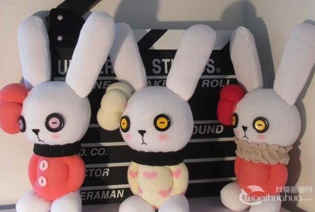 用袜子做兔子教程:袜子手工制作可爱兔子的图文步骤