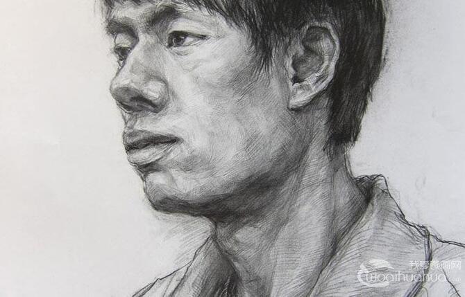 优秀人物素描头像:中国美术学院高分优秀青年头像素描试卷