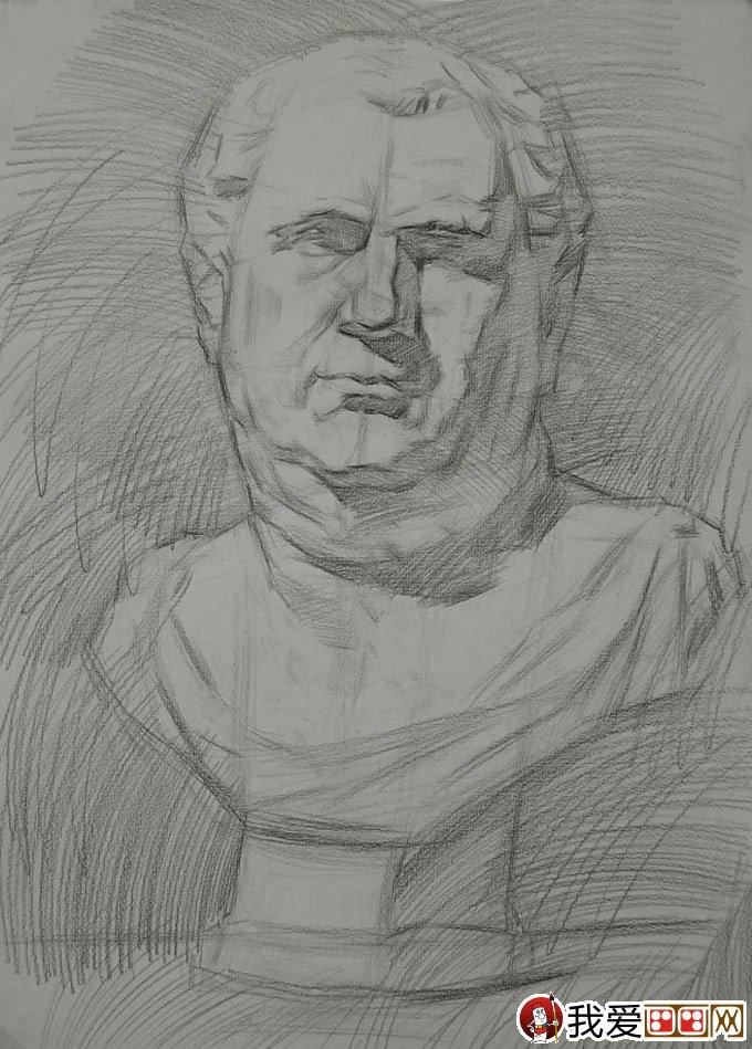 罗马王石膏像素描绘画教程步骤二:明确形体的同时铺大体色调,主要