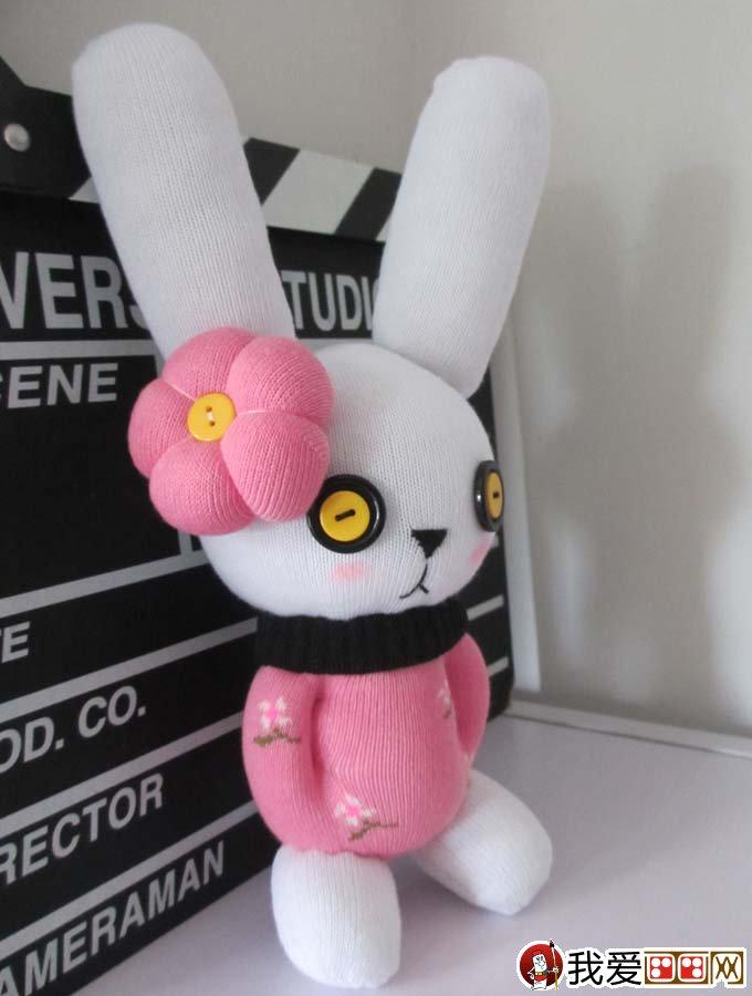 用袜子做兔子教程:袜子手工制作可爱兔子的图文步骤(3