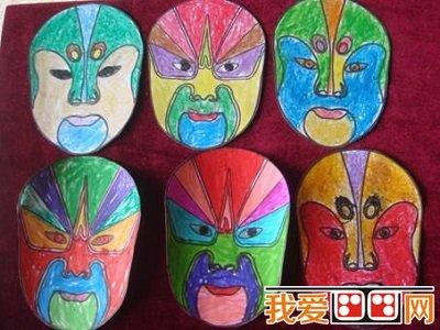 红色脸谱--表现忠贞,英勇的人物性格,如:关羽.