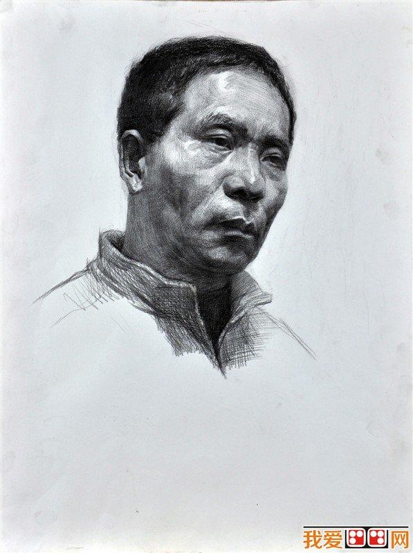 中年男性头像素描