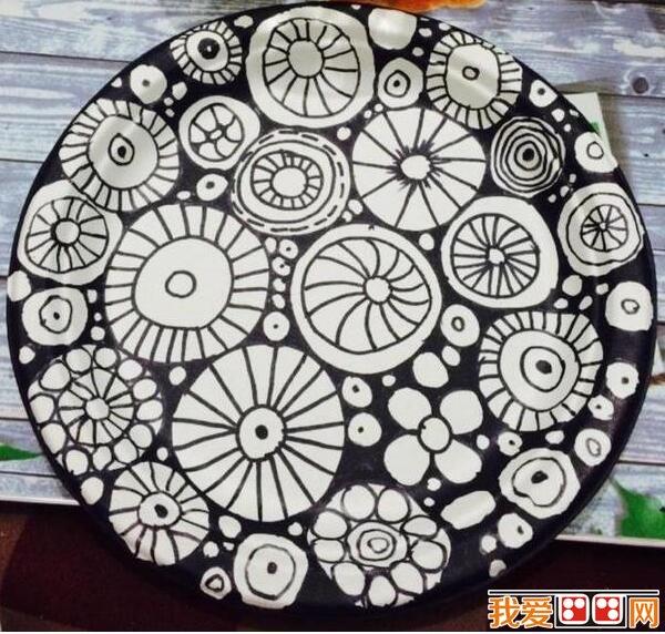 钢笔手绘一次性纸盘diy装饰画作品欣赏