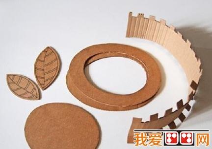 用瓦楞纸diy玩具帽手工教程