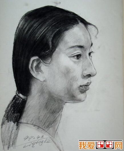 李青稞人物头像侧面素描