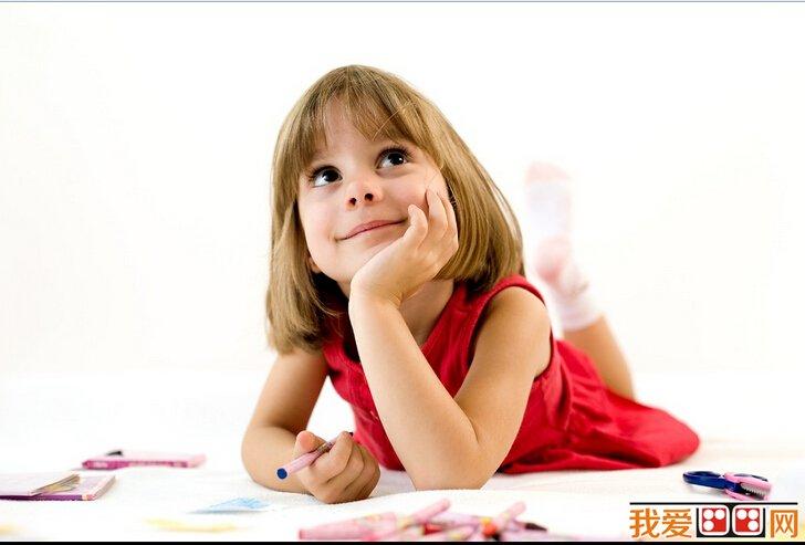 """幼儿画画的""""雏形"""""""