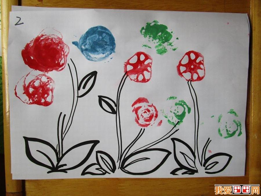 幼儿画画《美丽的小花》