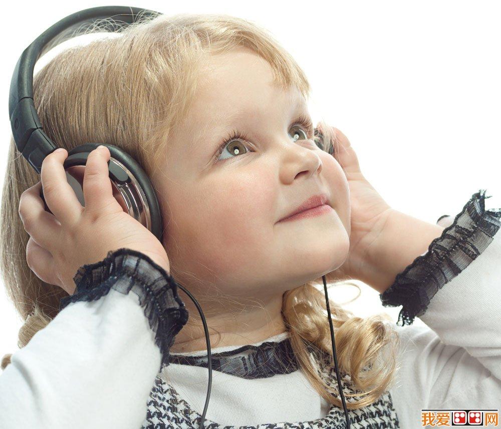 音乐启发幼儿想象力,提升幼儿画画的创新潜力