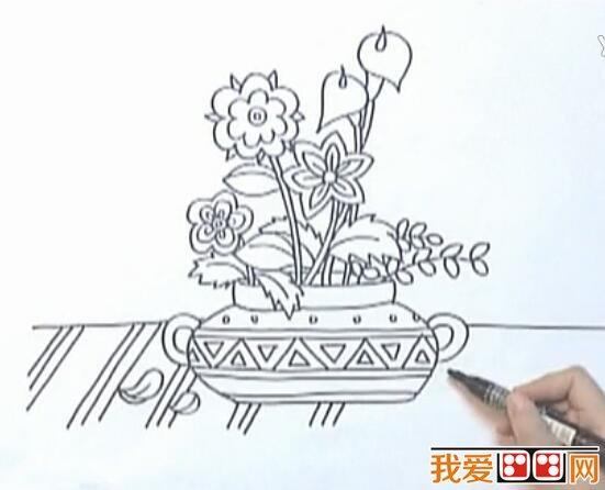 儿童绘画教程:《花盆里的花》绘画步骤详解