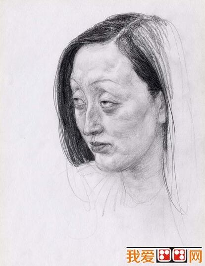 中年妇女人物头像素描
