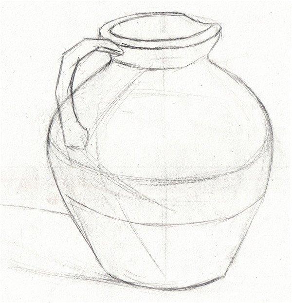 静物褐色陶罐绘画步骤    步骤一:先用 铅笔画出陶罐的轮廓,明暗