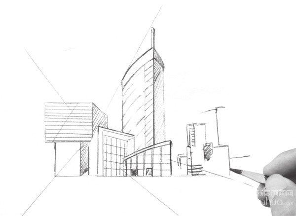 风景速写透视训练二    1,确定好透视关系和构图,用简单的线条将建筑