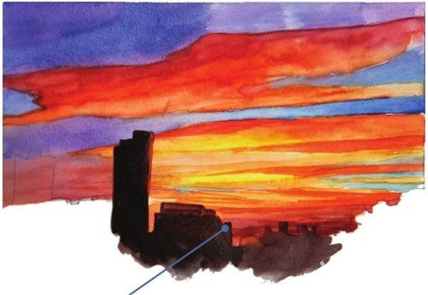7、用大红色加上青莲色先上一层楼房的颜色,如前文讲解剪影中棕榈树光感的方法一样,在靠近光源的地方颜色要浅一些,有一点橙色的感觉。  水彩黄昏的彩霞绘画步骤七 8、最后继续用接近黑色的深色画剪影般的楼房的颜色。  水彩黄昏的彩霞绘画步骤八 绘画时表现黄昏的色彩,一层层的颜色要鲜艳丰富。