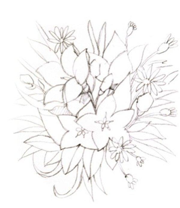 1、先画一个圆来确定画面的构图,然后再画出其中的各种小花、放射状的叶子和杂草。  水彩圆形构图示例路边的小花绘制步骤一 2、用浅绿色先画出花丛中放射状的叶子,注意因为是靠后面的物体,所以颜色不要过于鲜艳,以免抢了主体物的焦点。  水彩圆形构图示例路边的小花绘制步骤二 3、继续画叶子,注意不同叶子的颜色的区分,花梗的颜色是偏灰的紫红色,然后是花苞的颜色,是从蓝绿色到黄绿色的过渡,花苞尖端的地方偏黄绿色。  水彩圆形构图示例路边的小花绘制步骤三