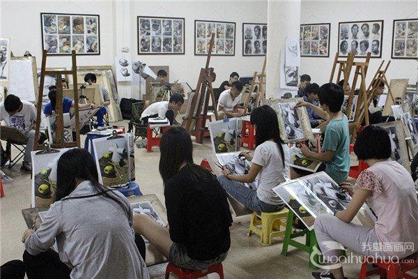 2017年山东工艺美术学院美术类校考人数1.6万人