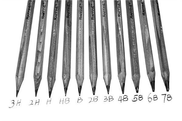 素描铅笔的笔迹硬度