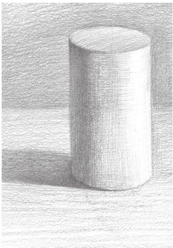 绘画时依据摆放形态,进行合理的构图。 【重点剖析】 1、根据圆柱体的结构,准确把握圆柱体的长宽比例和透视状态。构图采用竖构图的方法。  素描圆柱体要领一 2、细画圆柱体轮廓边缘线。使其轮廓自然、圆润。分出黑白灰三大调子的各个块面。对灰面与亮面进行深入刻画。  素描圆柱体要领二