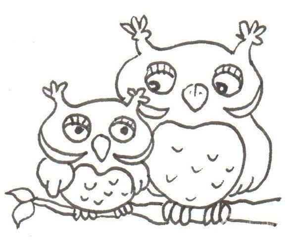 卡通猫头鹰妈妈和宝宝的绘画步骤五 ⑥给小猫头鹰涂上粉色.